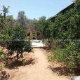 قطعة أرض مع منزل للبيع