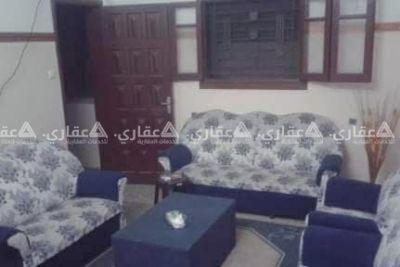 شقة للايجار في عمارة سكنية طابق ارضي مرتفع