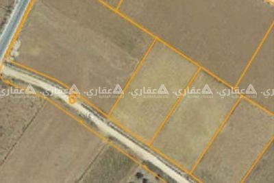 ارض مستوية تصلح للبناء والزراعة