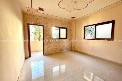 شقة للبيع موقع ممتاز جداً و بسعر مناسب جداً