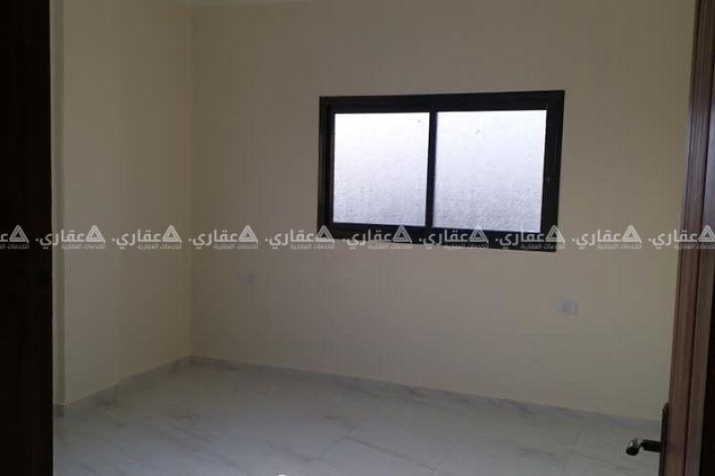 شقه للبيع ١١٠ متر مشطبه بشارع الثالث