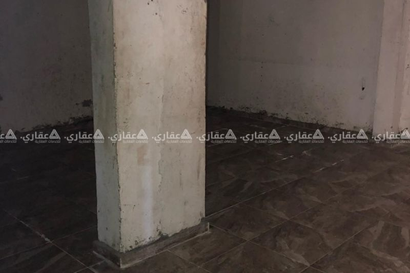 حاصلين للبيع بالقرب من مطبخ مهران