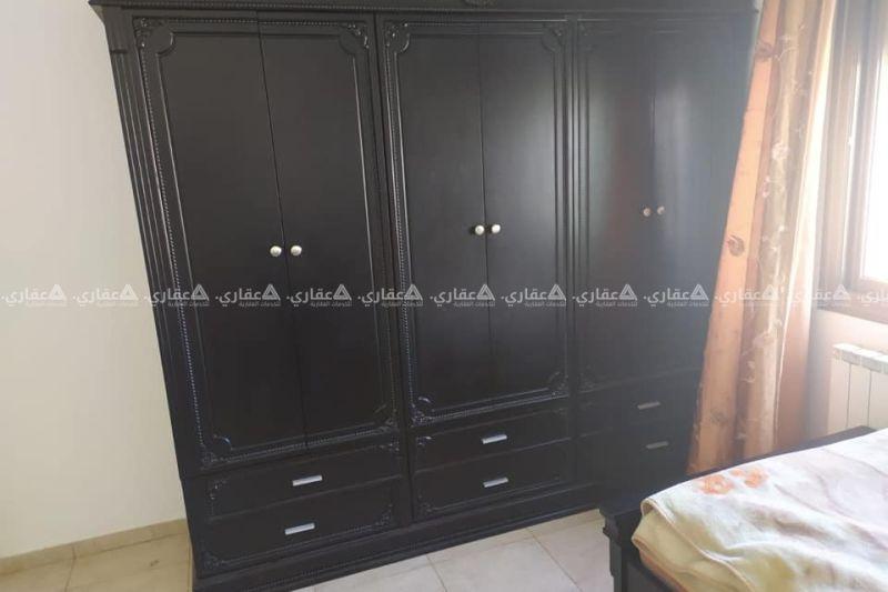 شاغر لشاب في غرفة مشتركة في شقة مفروشة
