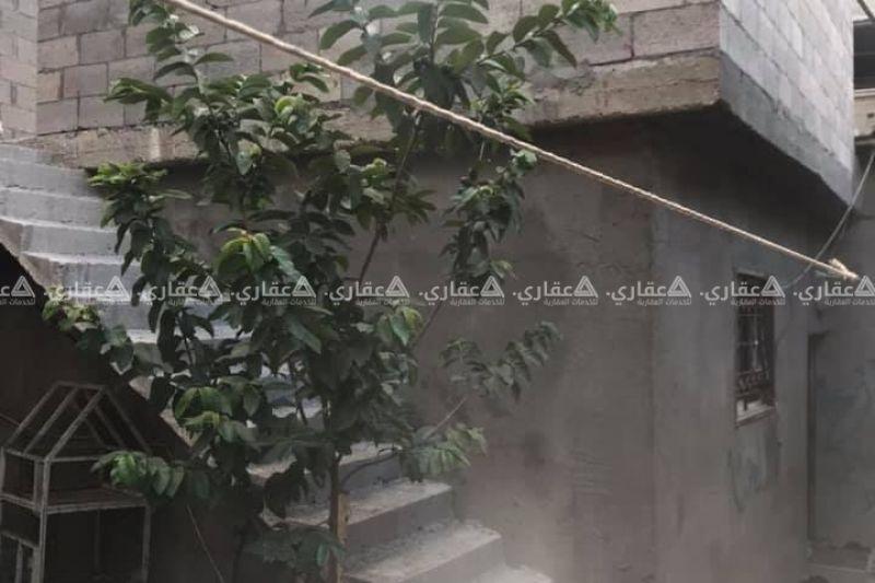 منزل شرق ميدان الشهداء حاره المجادله للبيع
