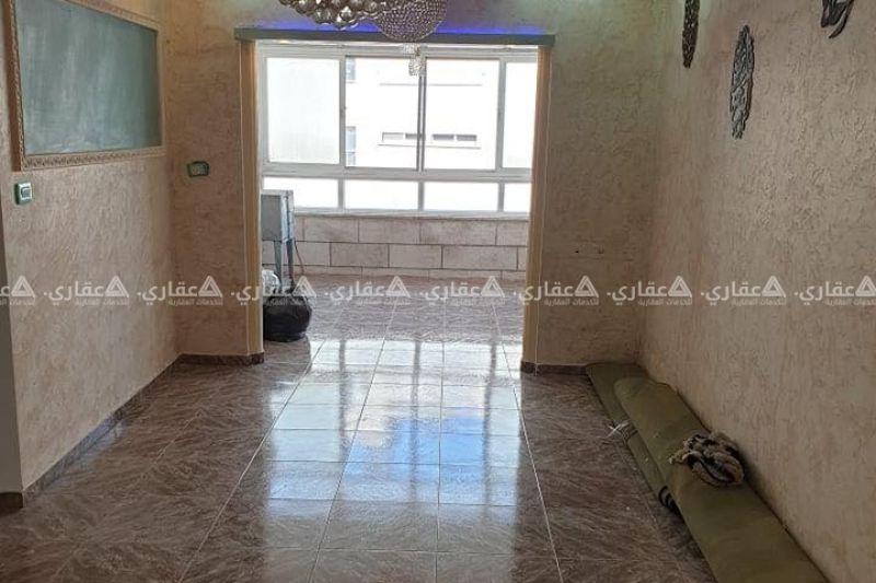 شقة بالقرب من جامع اليرموك والشارع الرئيسي