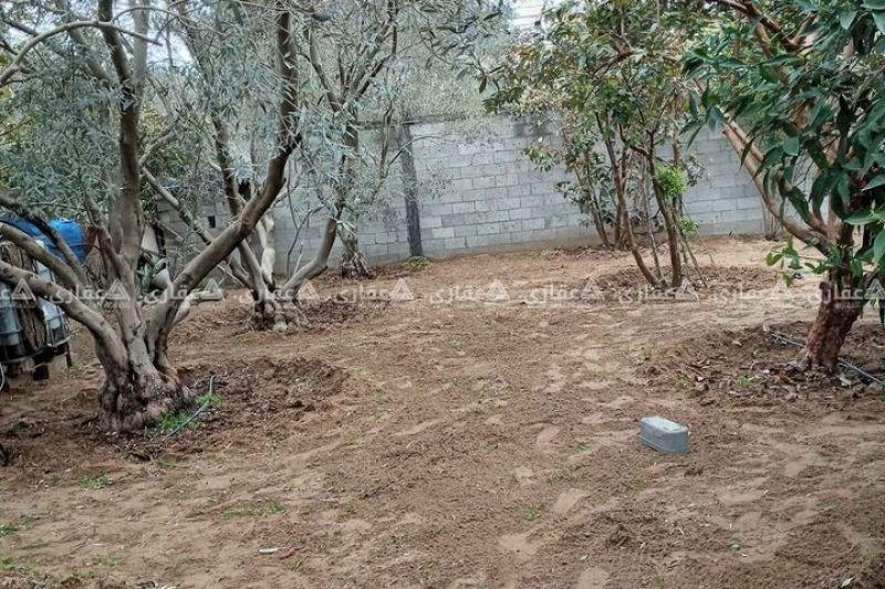 قطعة أرض للبيع مقابل مدرسة الوكالة