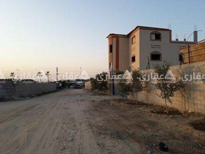 أرض على شارع صلاح الدين بغزة بلقرب من نتسريم