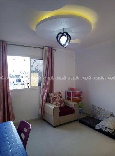 شقة للبيع في عمارة سكنية جديدة