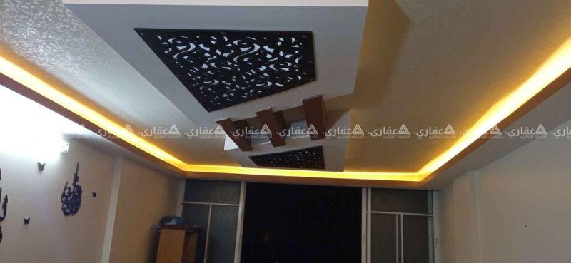 شقة للبيع في عمارة سكنية شمال محطة أبو عاصي
