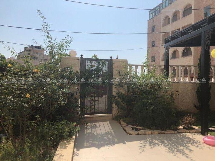 شقة أرضية بمدخل خاص للبيع