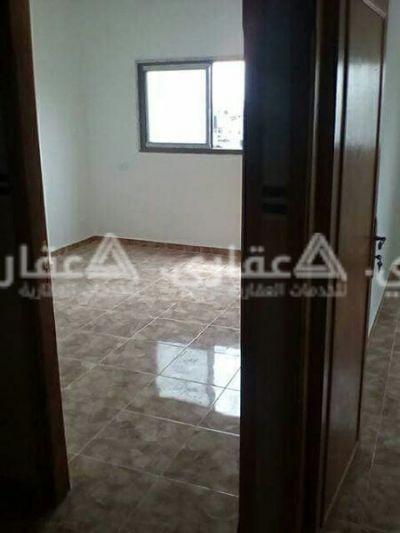شقة للايجار في عمارة حديثة البناء